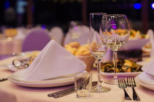 Abiball-Festsaal-Tischdeko