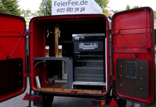 Mobile-Zapfanlage-2fach-Bierausschank-Barkas-P1000-Haenger-FeierFee