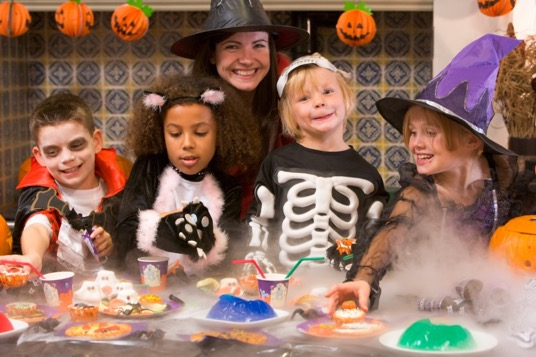 Mottoparty-Halloween-mit-Kindern