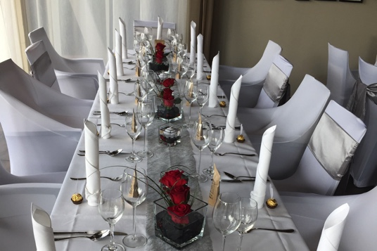 Tischdekoration-Hochzeit-FeierFee