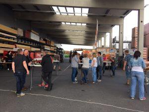 Austausch vor dem Anpfiff Public Viewing Chemnitz